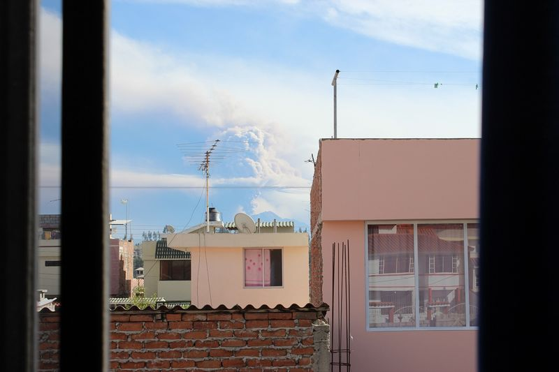 Riobamba Ecuador Tungurahua erupting